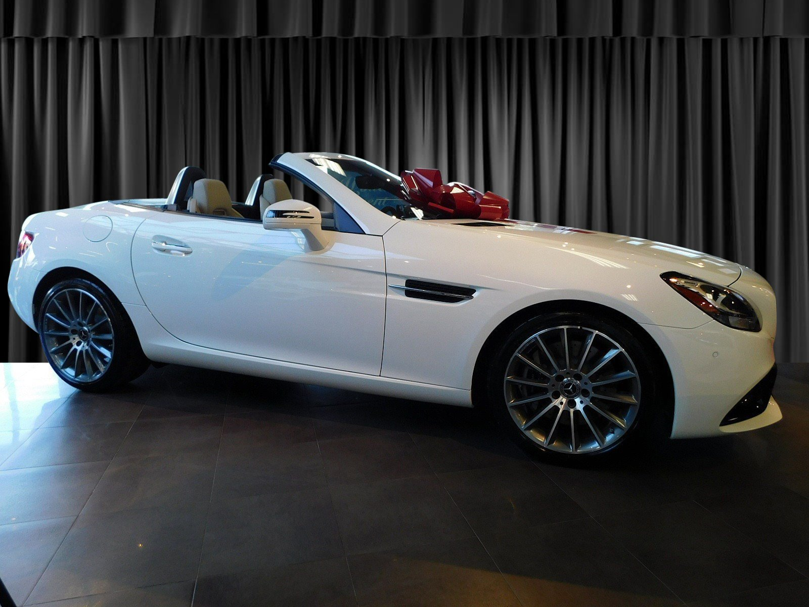 New 2019 Mercedes Benz SLC SLC 300 ROADSTER in Goldens Bridge JG217